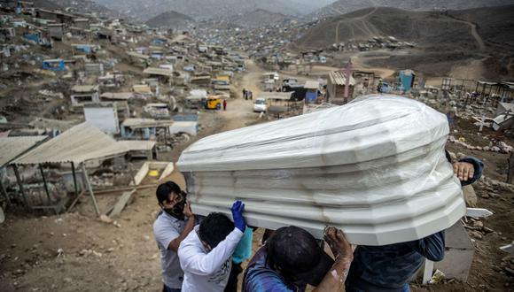 El Minsa reportó también que hay un total de 7.982 pacientes hospitalizados. (Foto: Ernesto Benavides / AFP).