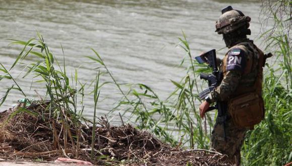 Los cuerpos fueron hallados en la orilla del río Bravo, entre las localidades de Matamoros (México) y Brownsville (EE.UU.). Foto: EPA, vía BBC Mundo