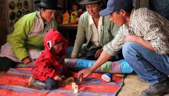 El Ministerio de Desarrollo e Inclusión Social  mediante el programa Juntos y en el marco de la Intervención Apoyo Temporal para el fortalecimiento del Desarrollo Infantil Temprano entregará 200 soles, cada dos meses, a más de 440.000 hogares de todo el Perú. (Foto: Midis)