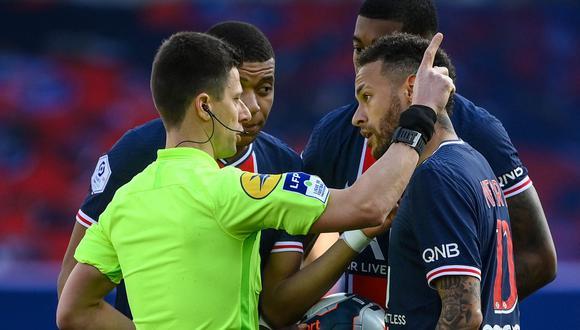 Neymar vio su cuarta roja con el PSG. Con Santos llegó a cinco. (Foto: AFP)
