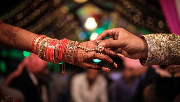 Una novia murió de un infarto de miocardio antes de darle el sí en el altar a su pareja, pero las familias de la pareja decidieron que la boda iba a celebrarse de todos maneras. | Crédito: Pixabay / Referencial