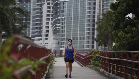 Los ciudadanos pueden realizar actividades físicas en espacios públicos hasta el fin de la cuarentena, pero solo en algunos distritos   Foto: GEC