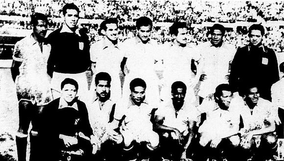 El 19 de setiembre de 1954, un combinado de la Asociación Central de Fútbol (ACF) le ganó 4 a 2 a la selección chilena en el Estadio Nacional de Santiago. Esta fue la primera victoria peruana en el país sureño. (Foto: GEC Archivo Histórico)