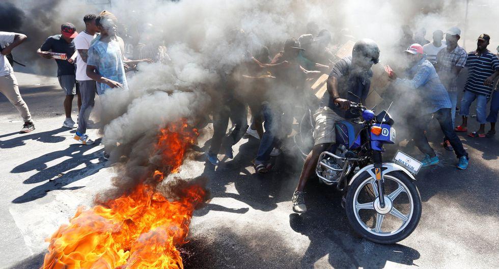Haití, donde más del 50% de la población sobrevive con menos de 2 dólares diarios, vive una severa crisis económica y de electricidad derivada de la depreciación de la moneda y la escasez de gasolina. (Reuters)