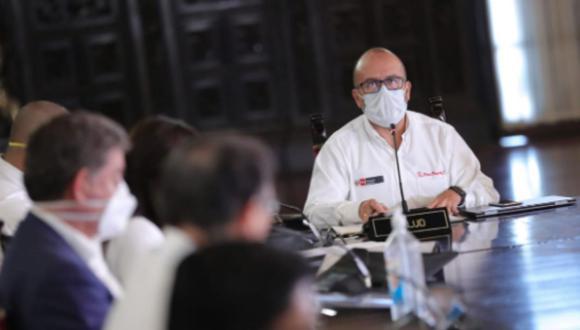 El ministro de Salud, Víctor Zamora, detalló sobre la creación de grupos para supervisar manejo de equipos en hospitales. (Foto: Presidencia)