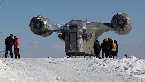 Fans de Star Wars reconstruyen nave espacial de Mandalorian en Siberia de más de una tonelada. (Foto: Evgeniy Sofroneyev / AFP)