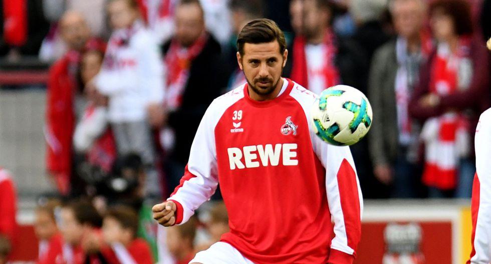 """En una entrevista con el periódico alemán """"Kicker"""", Claudio Pizarro explicó que no solo puede desempeñarse como atacante. ¿Qué función ocuparía con Colonia en estos encuentros? (Foto: AFP)"""