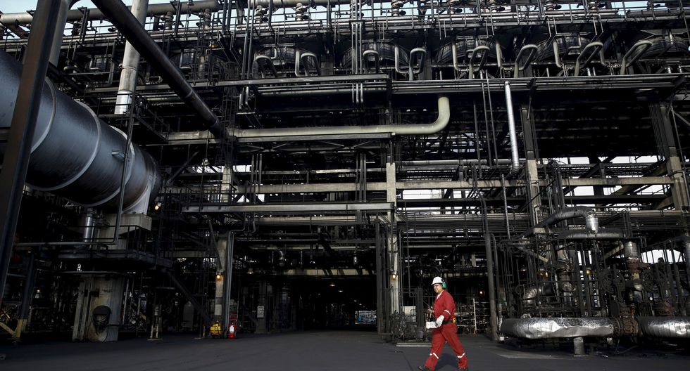 """""""La mejora del ambiente comercial entre los EE.UU. y China, así como de las perspectivas económicas en varias economías, impulsaron la revisión al alza"""" de la economía mundial, según la OPEP. (Foto: Reuters)"""