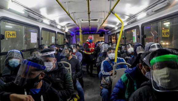 La ATU recodó que lo usuarios del transporte urbano deberán usar protector facial y mascarilla. (Foto: GEC)