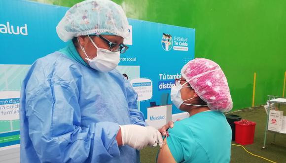 El Instituto Nacional de Salud indicó que se ha encontrado la variante P1 en Lima, Huánuco, Caballococha (Loreto) e Iquitos. En la capital, remarcó que se halló casos en el distrito de Ate. (Foto: EsSalud)
