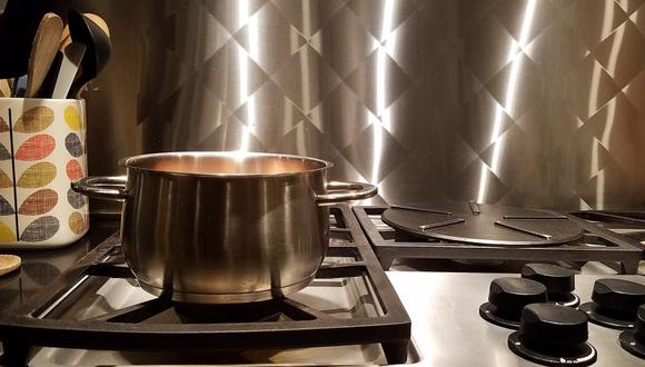 Estos trucos caseros de limpieza para el acero inoxidable son ecnomómicos y efectivos. (Foto: Feridoon Malekzadeh / Pixabay)