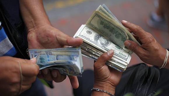 Dólar empezó la semana con nueva alza y subió a S/.3,377