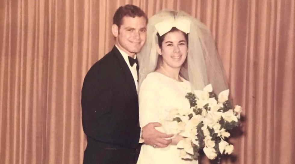 Los Baker, luego de 51 años de matrimonio, fallecieron el mismo día por causa de la pandemia que arrasa con el planeta.(Foto: Facebook)