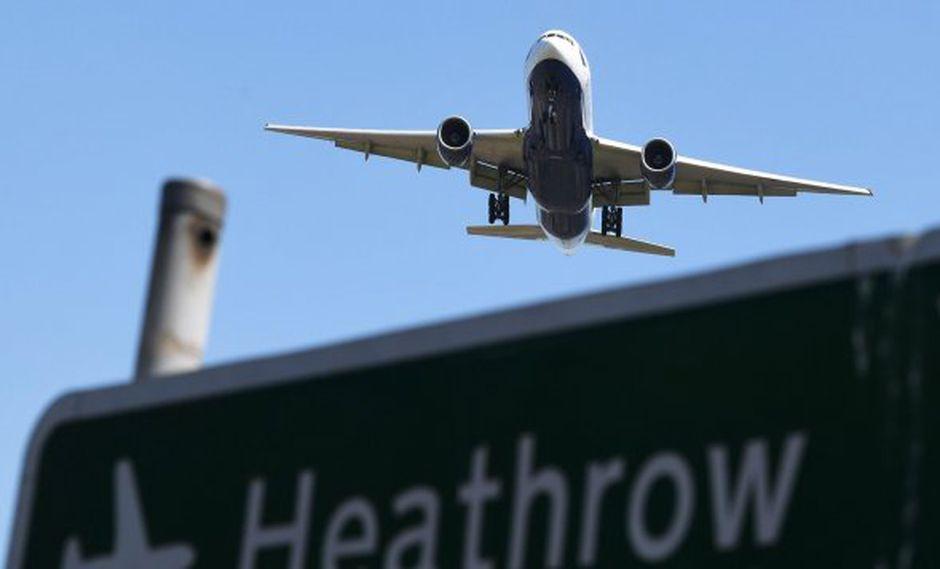 Entre los factores que podrían tener un efecto perjudicial destaca que las compañías perderían esos derechos de tráfico entre el Reino Unido y el Área de aviación común europea. (Foto: EFE)