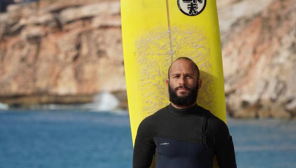 Marcelo Luna es brasileño, tiene 34 años y se dedica a surfear olas gigantes que miden hasta 22 metros de altura. Él está entre los mejores tablistas del mundo que se dedican a esto y vive en este momento en Nazaré, Portugal. Las olas más grandes están allá. (Foto: personal)