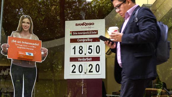 La moneda estadounidense cotizaba al alza este miércoles en el mercado mexicano. (Foto: AFP)