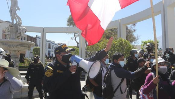 Los agentes que patrullarán las calles están entrenados para no caer en provocaciones de ninguna de las partes. (Foto: Eduardo Barreda / GEC)