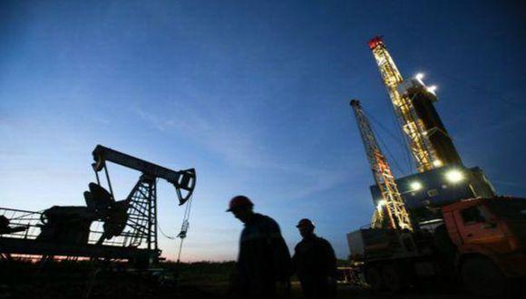OPEP recortaría producción petrolera por primera vez en 8 años