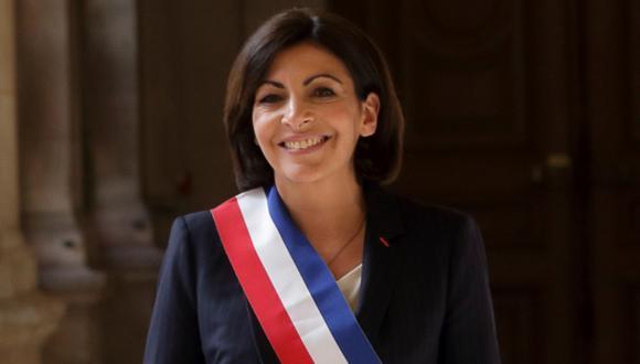 Anne Hidalgo ya es de forma oficial la primera alcaldesa París