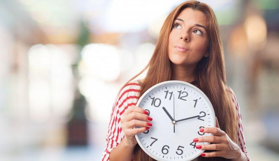 Quienes descansen los días no laborables tendrán que compensar las horas no trabajadas. (Foto: Freepik)
