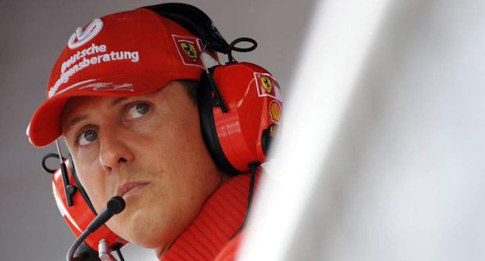 ¿Cómo se comunica Schumacher tras despertar del coma?