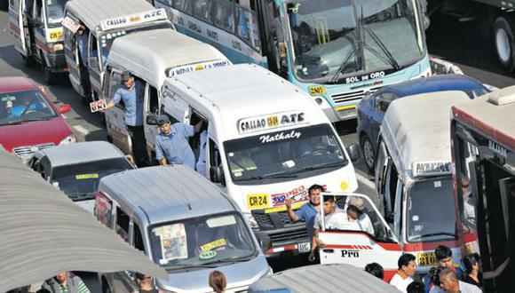 En un año, nuestra capital pasó del noveno puesto a ser la tercera ciudad del mundo con más congestión vehicular, según un estudio de monitoreo por GPS de la empresa holandesa Tom Tom. (Foto: Alonso Chero / archivo)