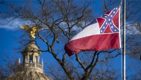 Mississippi era el único estado de Estados Unidos que todavía tenía un símbolo confederado en su bandera. (Foto: Getty Images)