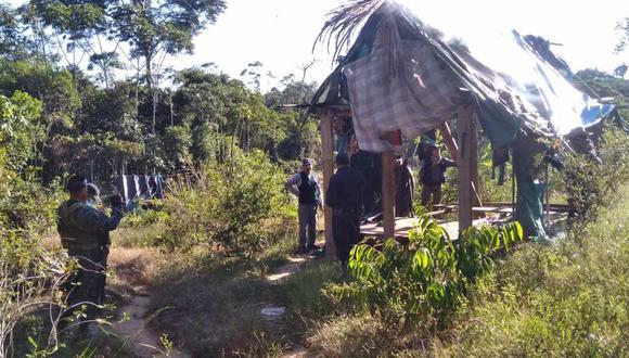Autoridades detectaron seis chozas usadas por gente dedicada a la producción de pasta básica de cocaína en esta parte de la región Ucayali.