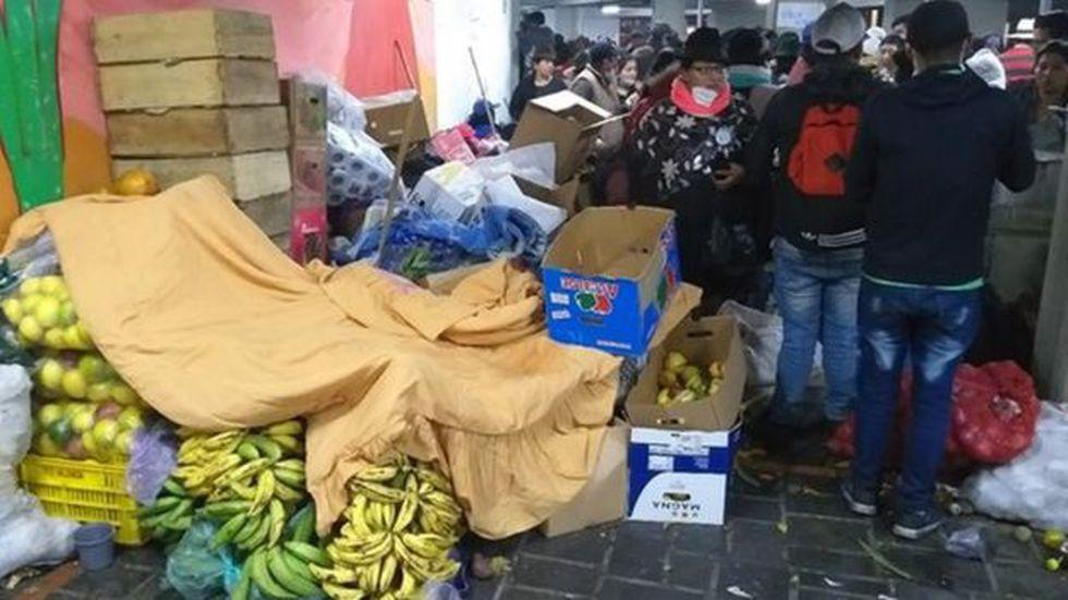 Mantener alimentados a los recién llegados implica un gran ejercicio de logística. (Foto: Matias Zibell, via BBC Mundo)