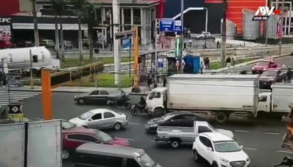 El accidente de tránsito ocurrió en el cruce de las avenidas Universitaria y La Marina. (ATV)