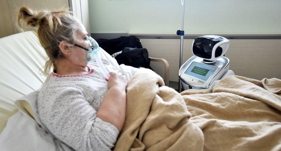 Además, el que los médicos y enfermeras tengan menos contacto con los enfermos de coronavirus hace que el nivel de contagio disminuya entre los profesionales de la salud. (Foto: Reuters/Flavio Lo Scalzo)