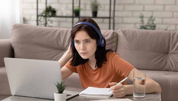 Se estima que para el año 2040, 9,8 millones de alumnos latinoamericanos estudiarán virtualmente.