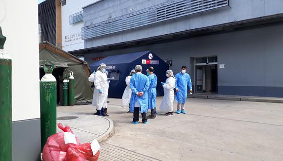 Personal del Segunda Fiscalía Penal Corporativa de Tarapoto constata en el Hospital II – 2 de Tarapoto la denuncia de los médicos por falta de oxígeno para atender a los pacientes COVID-19 (Foto: Hugo Anteparra)