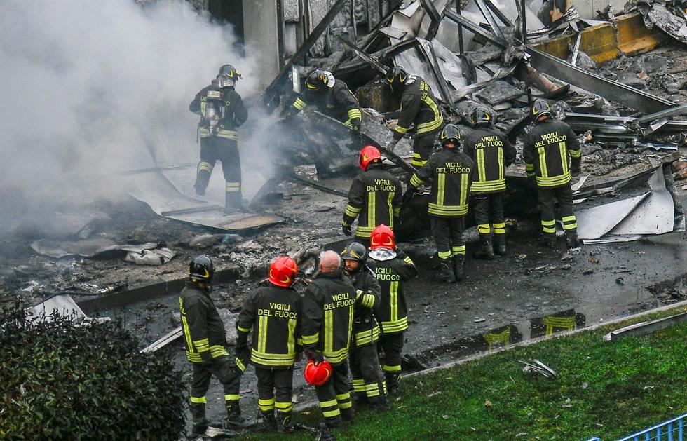 Milán, Italia: Mueren 8 personas al estrellarse un avión privado contra un  edificio   Dan Petrescu   San Donato   FOTOS Y VIDEO   MUNDO   EL COMERCIO  PERÚ