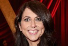 Mackenzie Scott, una de las mujeres más ricas del mundo, dona más de US$2.000 millones a organizaciones benéficas