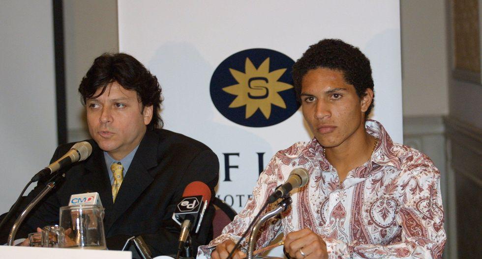 Paolo Guerrero y Carlos Delgado en su última conferencia de prensa sobre su fichaje por el Bayern, en octubre de 2002. (Foto: GEC)