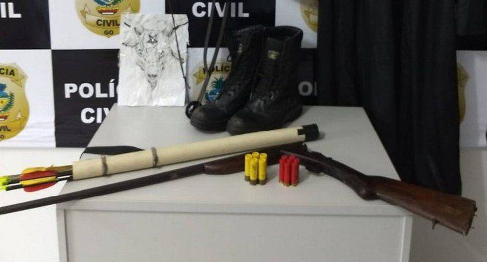 Al joven detenido en Goiás se le incautó un arma de fuego no automática que pertenecía a su padre, una capa, una máscara, borceguíes y un arco con flechas. (Globo / GDA)