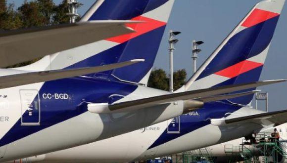 Latam Airlines se acogió al capítulo 11 de la Ley de Quiebras en Estados Unidos para reestructurar la compañía y refinanciar sus deudas. En el Perú, tiene el 63% del mercado doméstico.