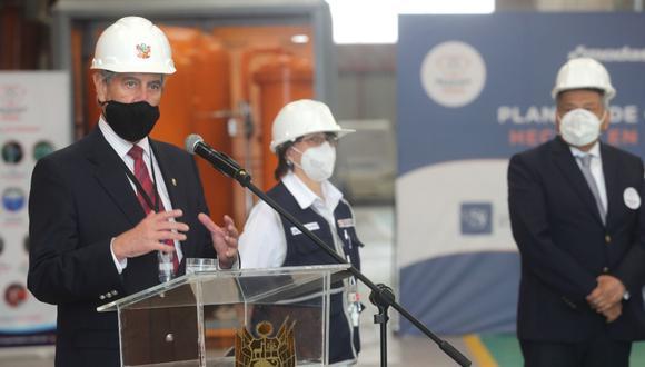 Francisco Sagasti durante la presentación de la planta de oxígeno medicinal en Lurín. Foto: ANDINA