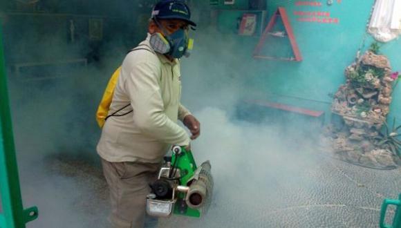 Chiclayo: inician fumigación contra el dengue en colegios
