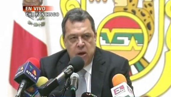 Gobernador mexicano dejó su cargo por estudiantes desaparecidos