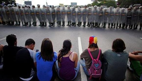 Venezuela: Estudiantes acampan exigiendo intervención de la ONU
