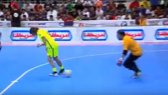 El gol de taco de Carles Puyol al estilo de Ronaldinho [VIDEO]