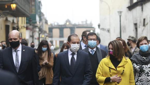 Gabinete Martos camina al Congreso. Foto: Miguel Bellido GEC