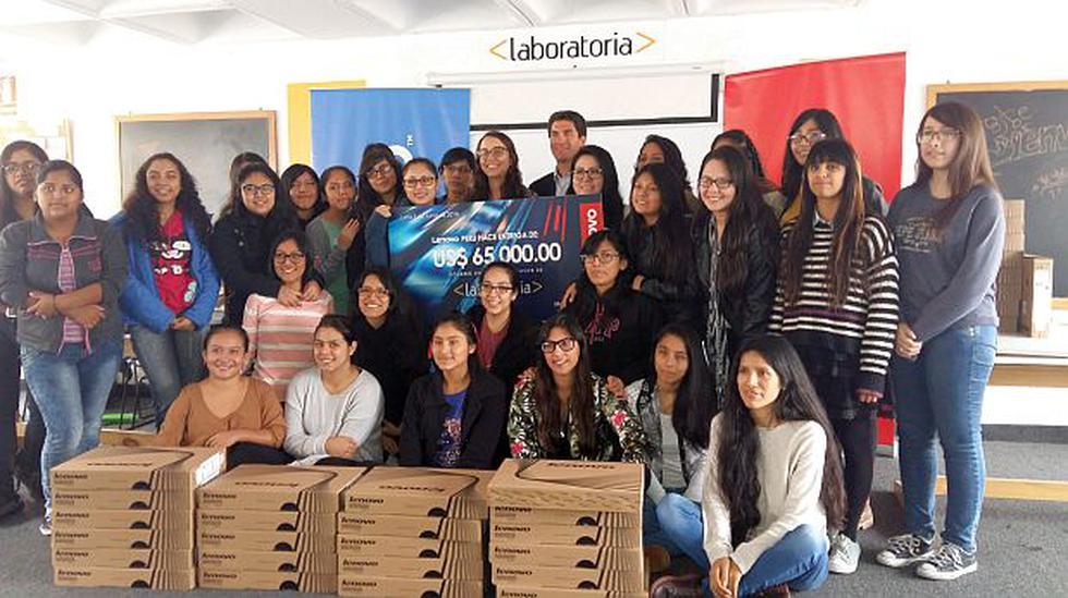 En el Perú menos del 7 % de desarrolladores web son mujeres - 1