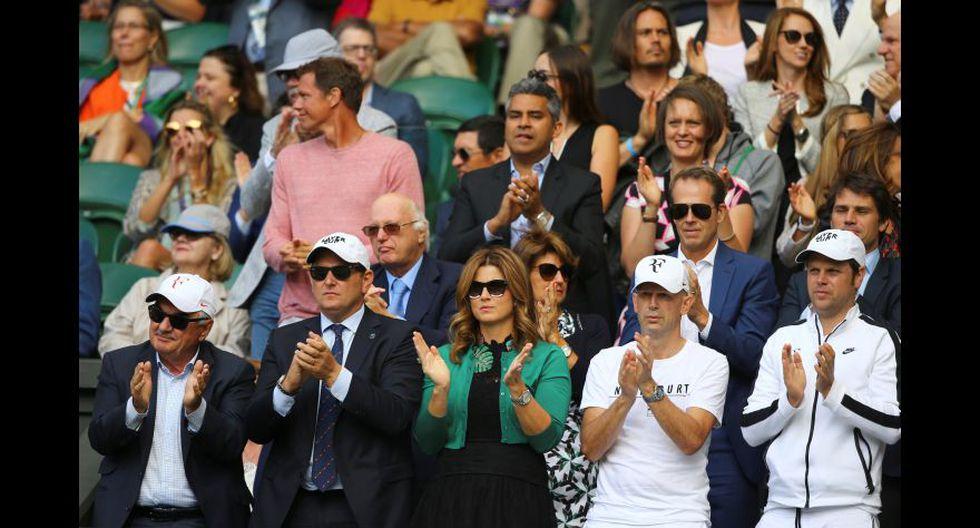 Mirka y todo el equipo de Federer. (Foto: Agencias)