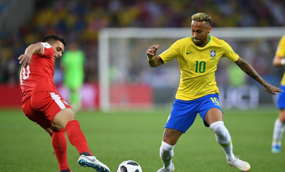 Brasil se mide ante Serbia esta tarde (1:00 pm. EN VIVO ONLINE por DirecTV / SporTV / Globo) en el marco de la tercera jornada del Grupo E por el Mundial Rusia 2018. (Foto: AFP)
