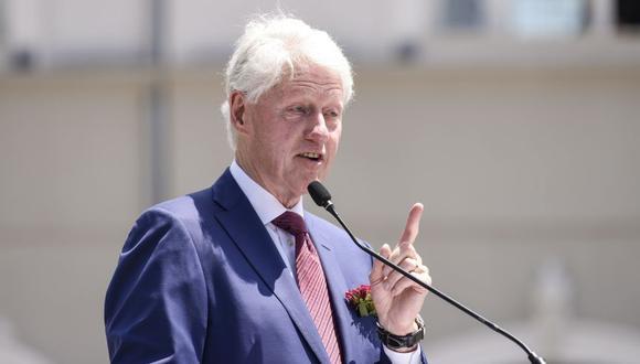 """Bill Clinton asegura durante uno de los capítulos de la miniserie de Hulu que el affaire """"era algo con lo que podía desconectar la mente por un momento"""" y que todo el mundo en su vida tiene """"presiones, decepciones y miedos"""", y que él buscó distracciones durante años para manejar mejor su ansiedad. (Foto: AFP/Archivo)"""