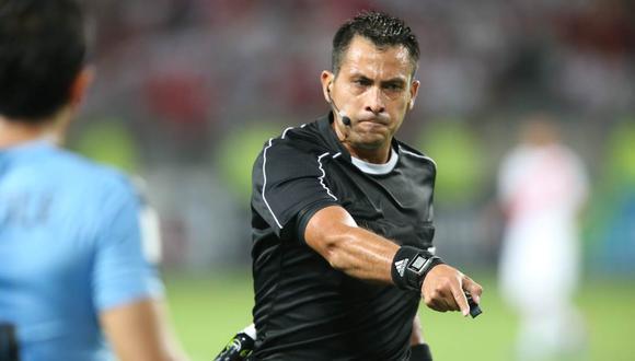 Julio Bascuñán está en la terna de la final del Mundial de Clubes. (Foto: GEC)