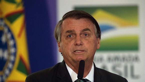 """""""Bolsonaro incluso encontró tiempo para oponerse a una propuesta presentada a la Organización Mundial de la Salud por India y Sudáfrica para levantar temporalmente las restricciones de patentes sobre las vacunas contra el coronavirus"""".  (EFE/ Joédson Alves/Archivo)."""